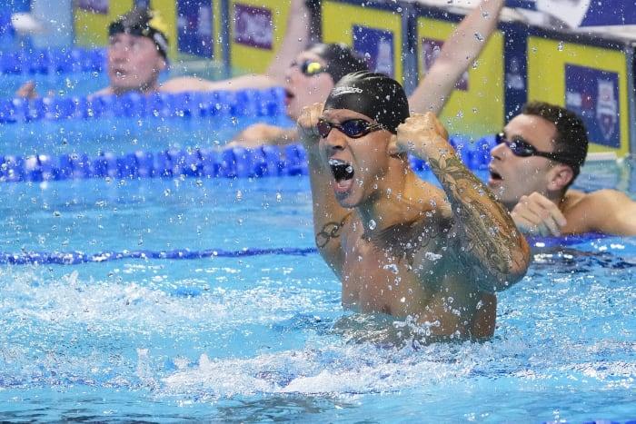 Relais 4x100 quatre nages hommes : États-Unis contre Grande-Bretagne