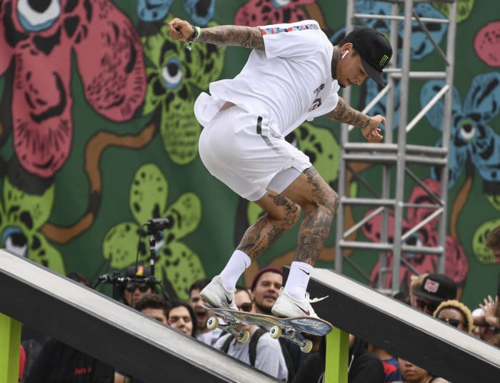 Skateboard hommes : Nyjah Huston (États-Unis) contre Yuto Horigome (Japon)