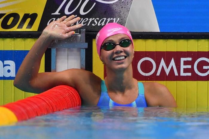 100 mètres brasse de natation femmes : Lilly King (États-Unis) contre Yulia Efimova (Comité olympique russe)