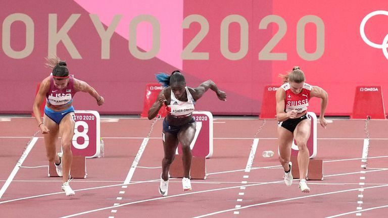 Dina Asher-Smith a quand même réussi à courir 11.05 malgré seulement une semaine d'entraînement au sprint juste avant les Jeux