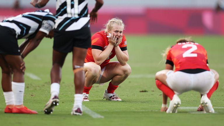 Abi Burton est abattu après avoir perdu contre les Fidji dans le match de bronze