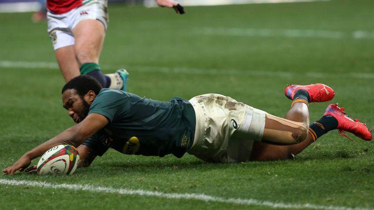 Lukhanyo Am a marqué le deuxième des deux essais sud-africains alors que les Springboks ont égalisé leur série contre les Lions