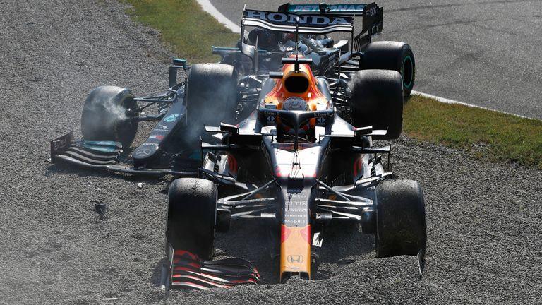 Paul di Resta de Sky F1 était au SkyPad pour analyser la collision controversée entre les rivaux du titre Lewis Hamilton et Max Verstappen, qui a vu les deux voitures s'écraser.