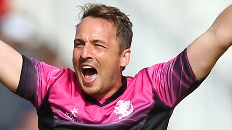 Josh Davey starred with bat and ball as Somerset edged Hampshire by two wickets